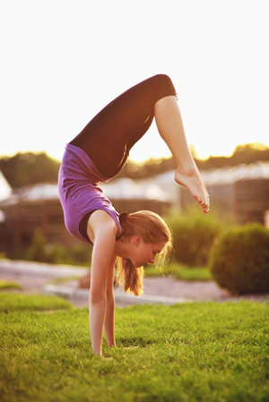 The Yoga Injury Debate | Elizabeth Kovar | Expert Articles | 12/11/2013